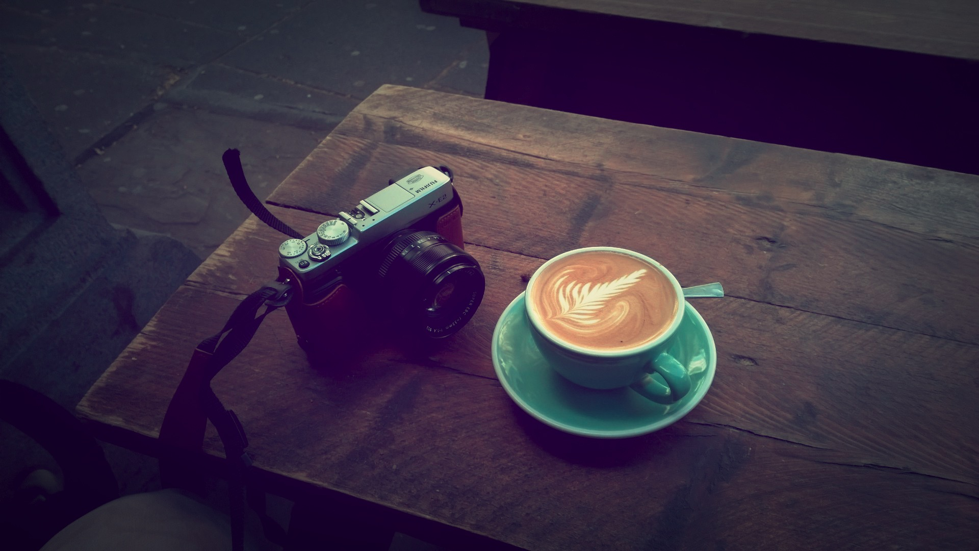 The Fujifilm X-E2 and a nice Flat White at FreeState